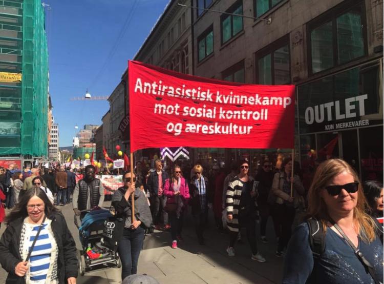Kvinnegruppa Ottar i tog 1. mai 2017. Foto: Katarina Storalm.