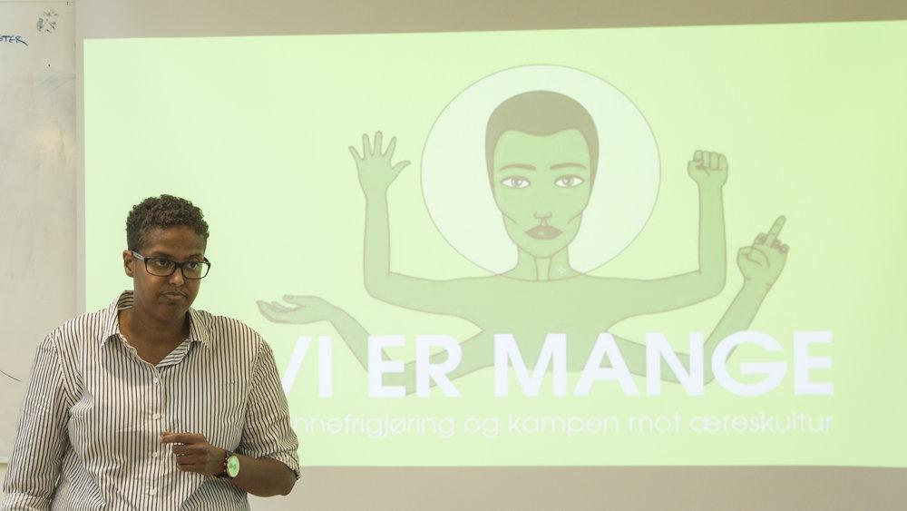 Amal Aden på seminaret Vi er mange. Foto: Katarina Storalm