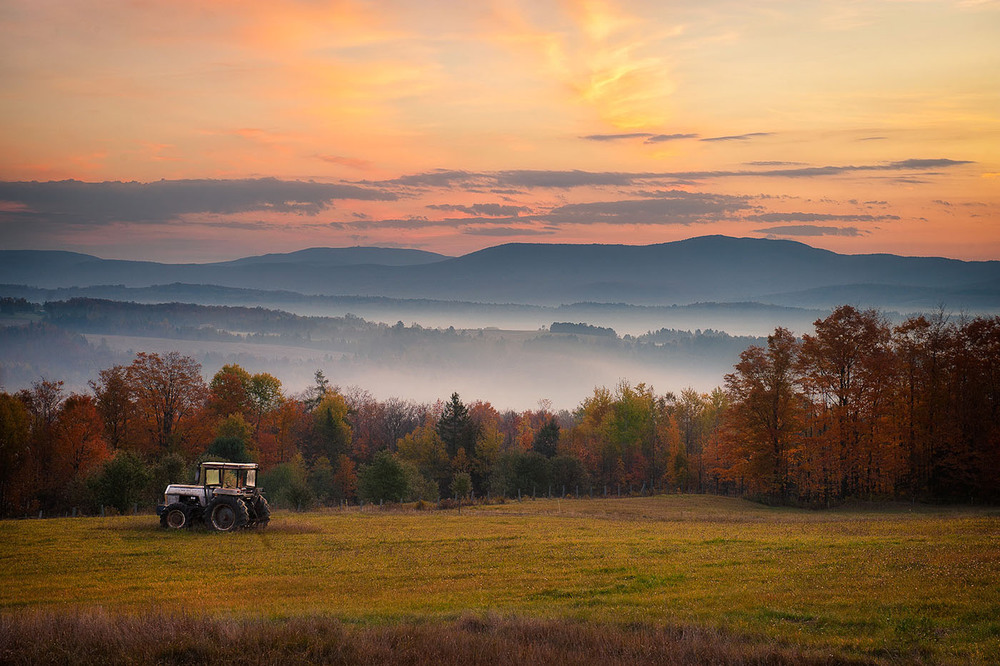fall_tractor_sunrise.jpg