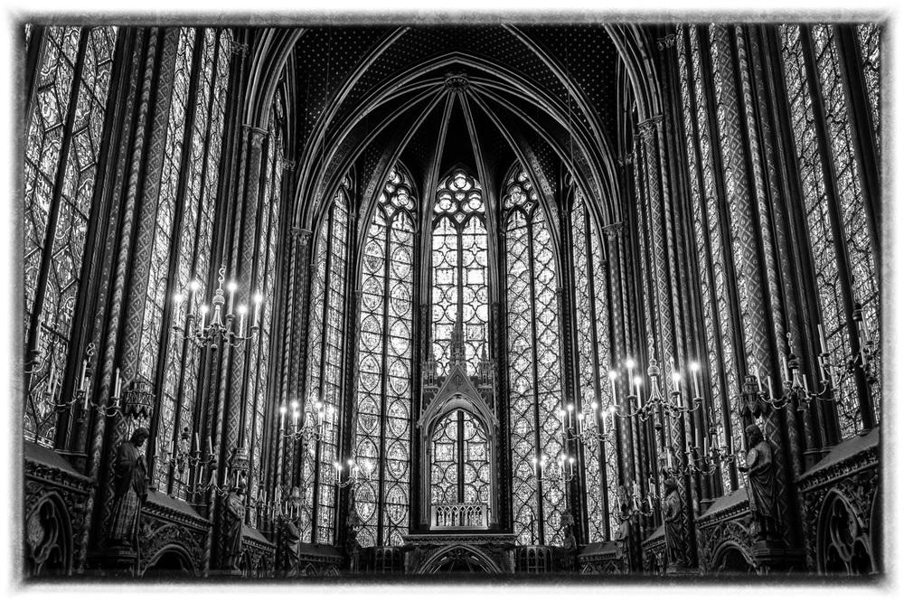 St Chapelle bw.jpg