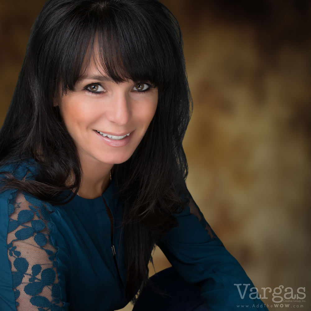 Dawn-Bothof-Realtor-Temecula-Murrieta-Head-Shot-Portrait.png