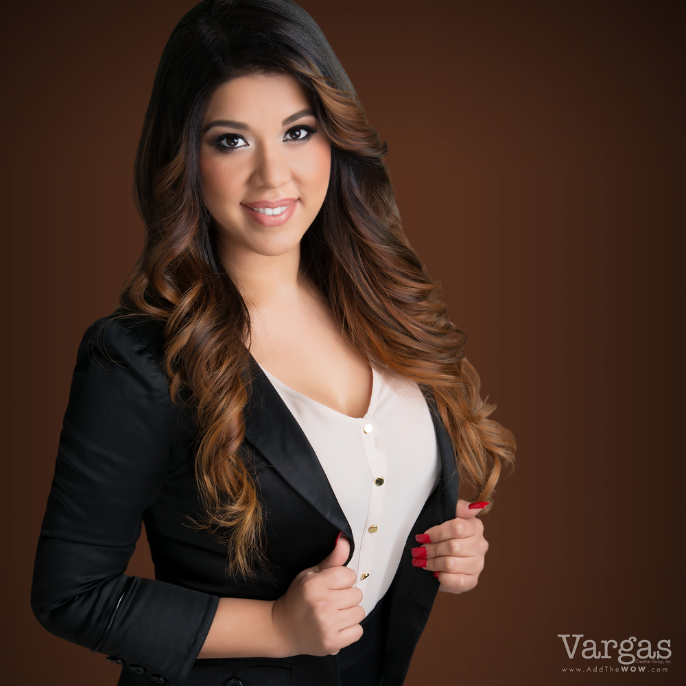 Wendy-Espinoza-Business-Executive-Portrait-Head-Shot-Realtor.png