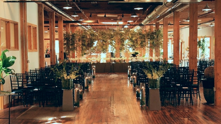 GOEI Center provides plenty of space for both wedding ceremonies and wedding receptions while remaining a cozy warmth.