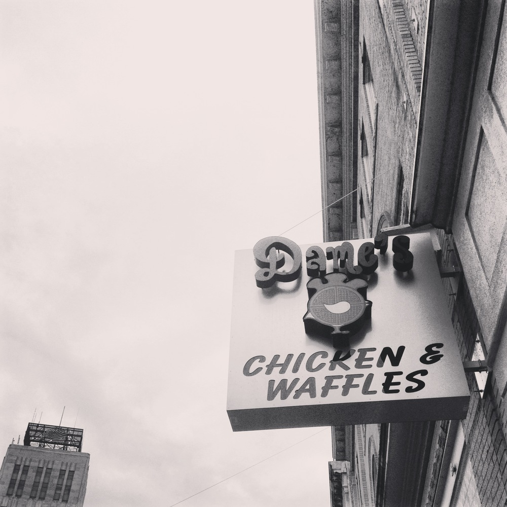 dames-chicken-and-waffles-0915.JPG