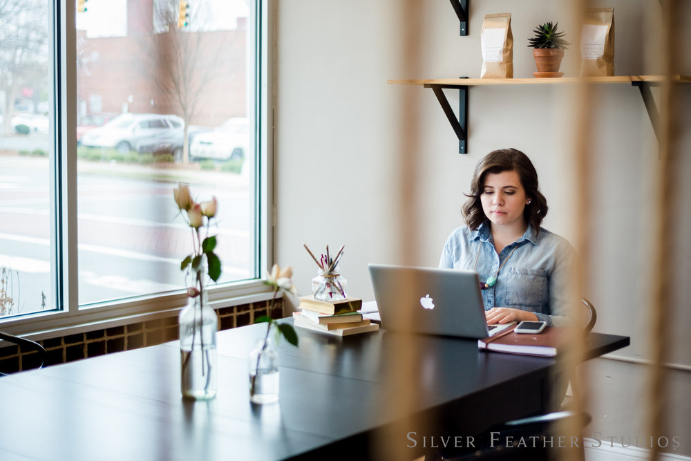 Alex Reagon | Social Media Strategist Lifestyle Brand Session | © Silver Feather Studios