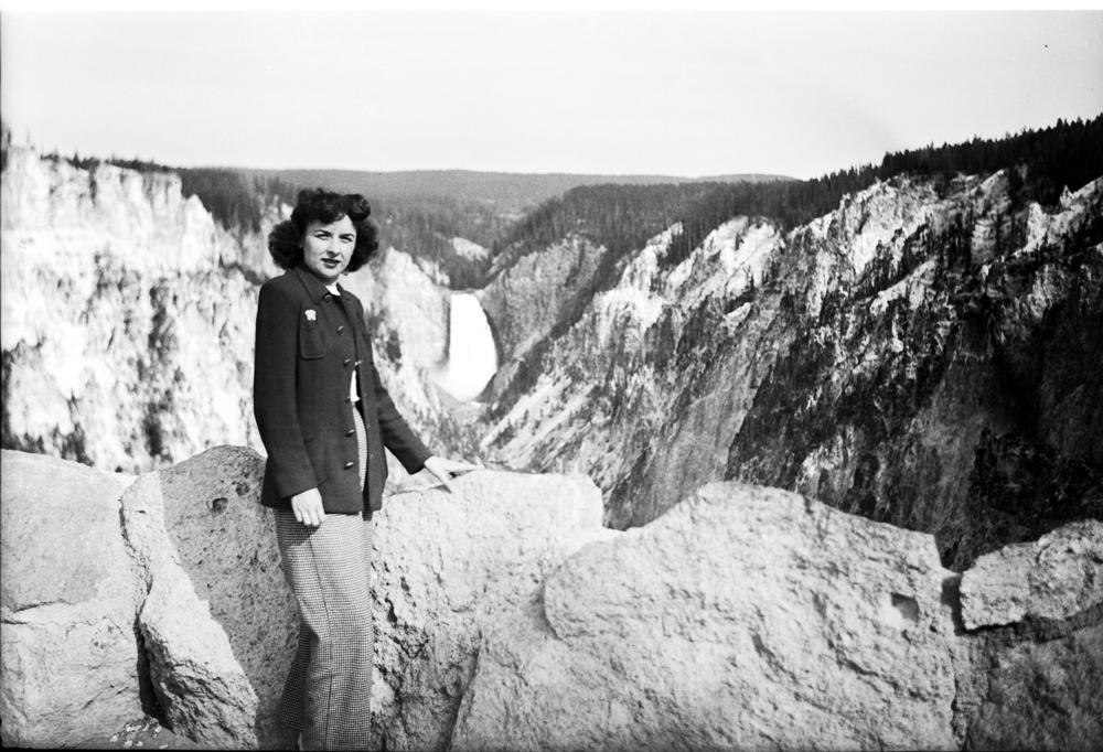 Yellowstone Falls, 1946