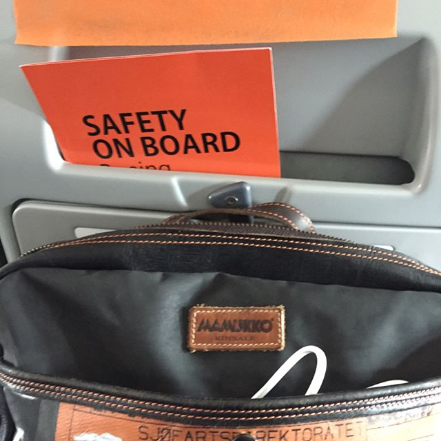 Orange is the New Black - @mamukko meets @mangoairlinessa Both #brands are big into #orange -big, bold, bright, bodacious... Great to have a piece of #Kinsale travelling with me as we fly to #johannesburg #jozi  #Mamukko makes the perfect laptop and / or travel bag..big enough to carry everything & small enough not to have to store in overhead compartments 👌🏻😄