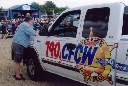 2004 - CFCW Prize Patrol
