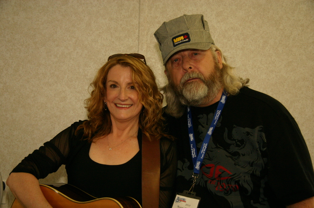 2010 - Claire Lynch & Blueberry President Norm Sliter
