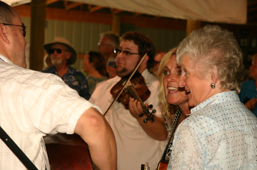 2010 - Hunter Berry, Rhonda & Carolyn Vincent jamming with the Gibson Brothers