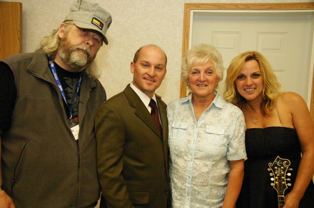 2010 - Blueberry President Norm Sliter with Darrin, Carolyn & Rhonda Vincent