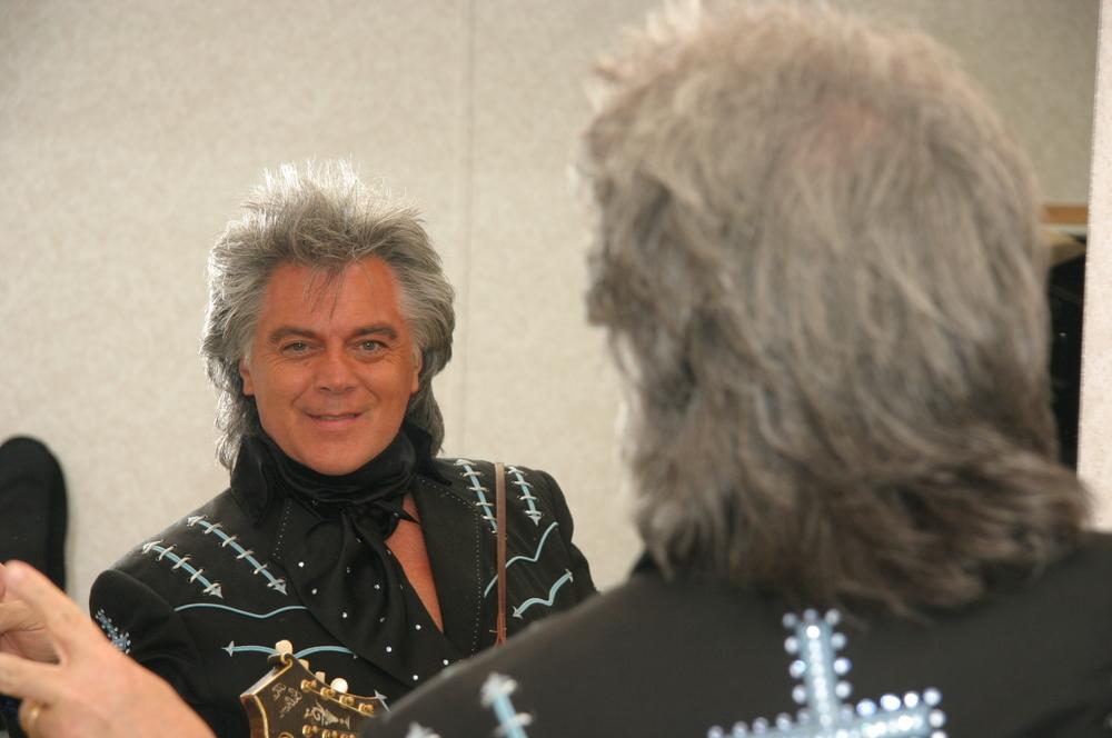 2009 - Marty Stuart backstage