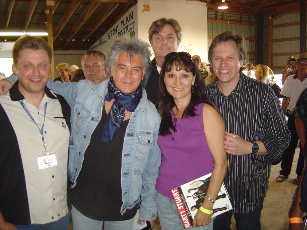 2009 - Blueberry Website Administrator Kenny Mak & Jeannette Sinclair with Marty Stuart & his Fabulous Superlatives