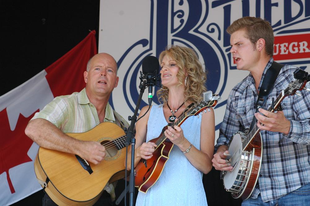 2012 - Darin, JoLynn & Davin - The Larsgard Family