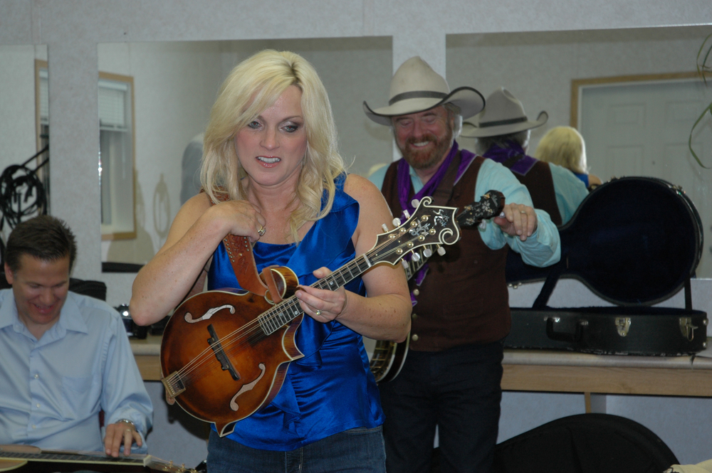 2012 - Rhonda Vincent & Michael Martin Murphey backstage with Rob Ickes