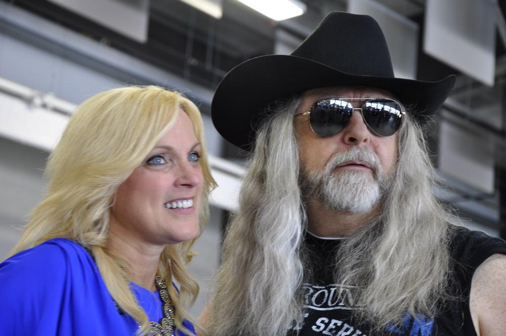2012 - Rhonda Vincent & Blueberry President Norm Sliter
