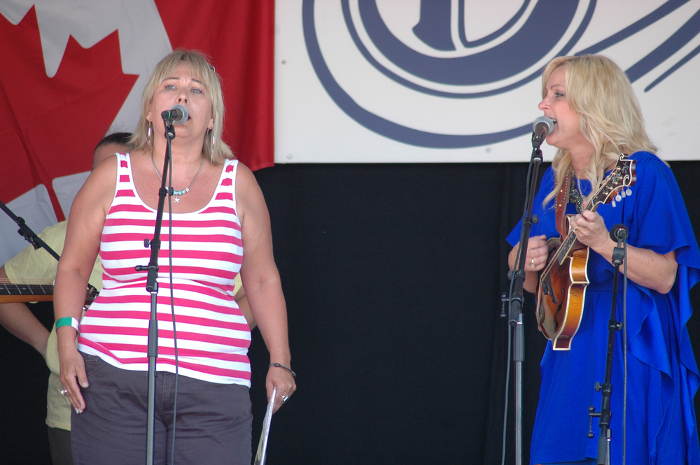 2012 - Rhonda Vincent's Sunday Morning Gospel with an audience guest singer