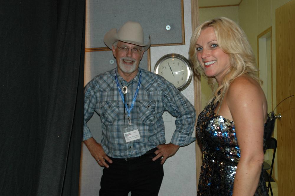 2012 - George McKnight & Rhonda Vincent backstage