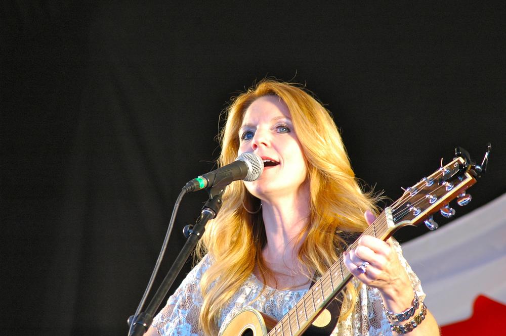 2012 - Elaine Roy