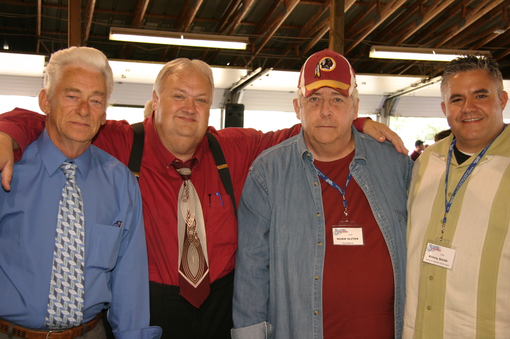 2008 - Cedar Hill's Kenny Cantrell & Frank Ray, Blueberry President Norm Sliter & Kenny Smith