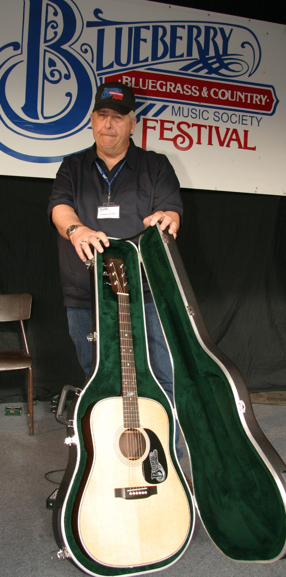 2008 - Blueberry President Norm Sliter with the custom Blueberry/Martin Guitar raffle prize