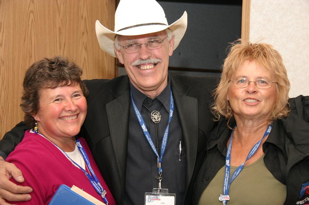 2008 - Blueberry Volunteers Ann Wakelin & Janette Massey with George McKnight