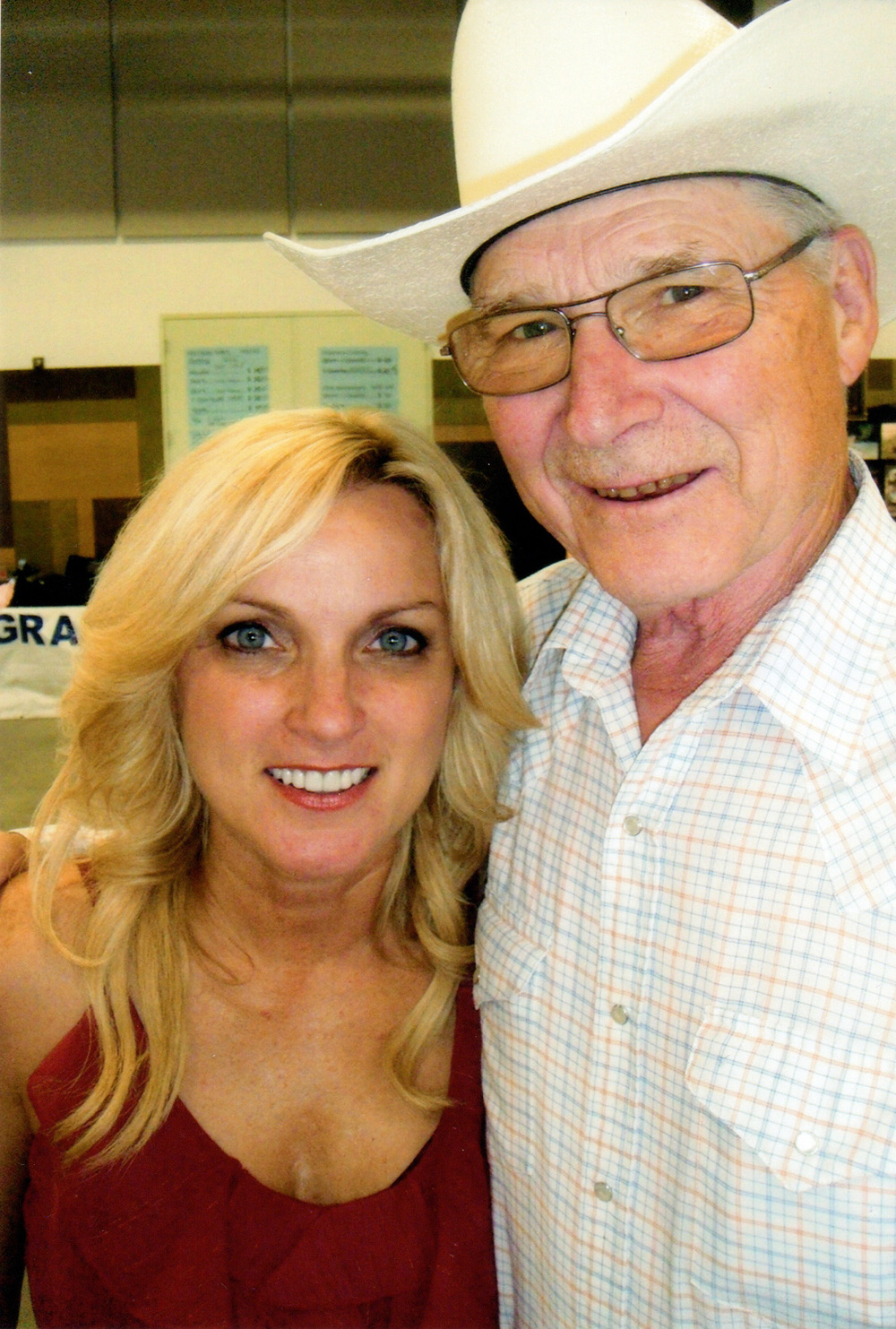 2012 - Rhonda Vincent with George Myren of the Canadian Country Music Legends