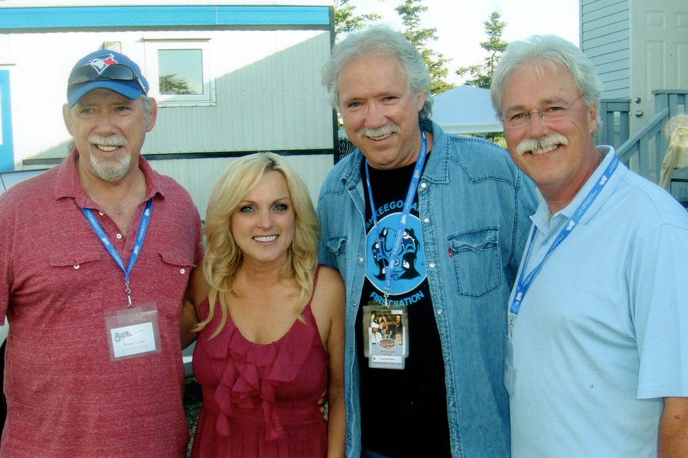 2012 - Rhonda Vincent with the Good Brothers