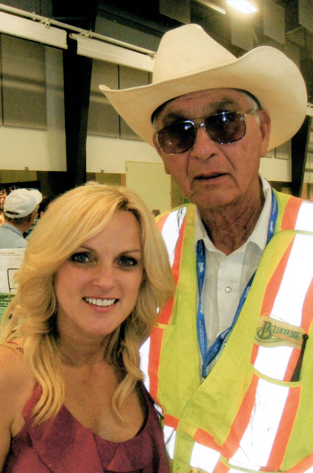 20102 - Rhonda Vincent with Blueberry head of security Ed Chalifoux