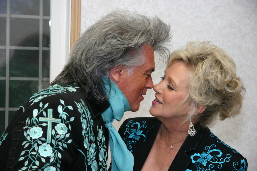2011 - Marty Stuart & Connie Smith backstage