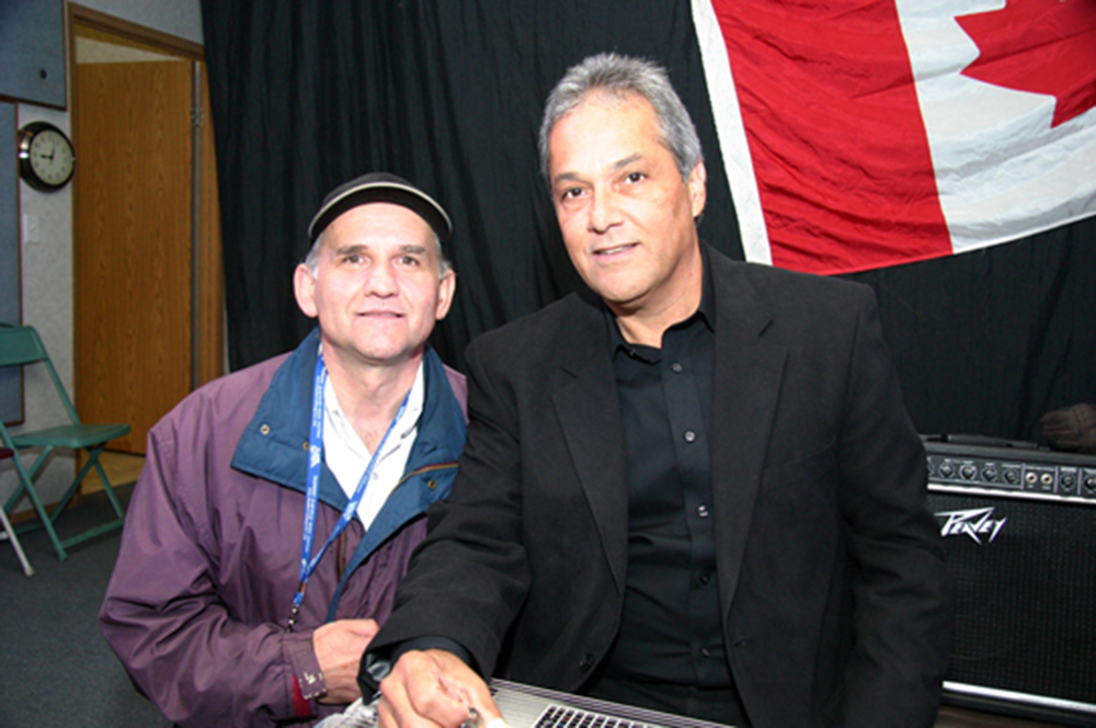 2011 - Gary Okrainec of the Legends with Gary Carter of Connie Smith's Sundowners Band