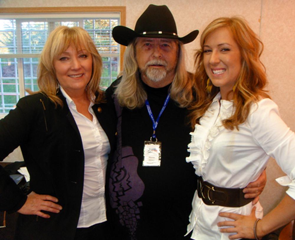 2011 - Joanne & Haley Myrol (Acoustic Mayhem) with Blueberry President Norm Sliter