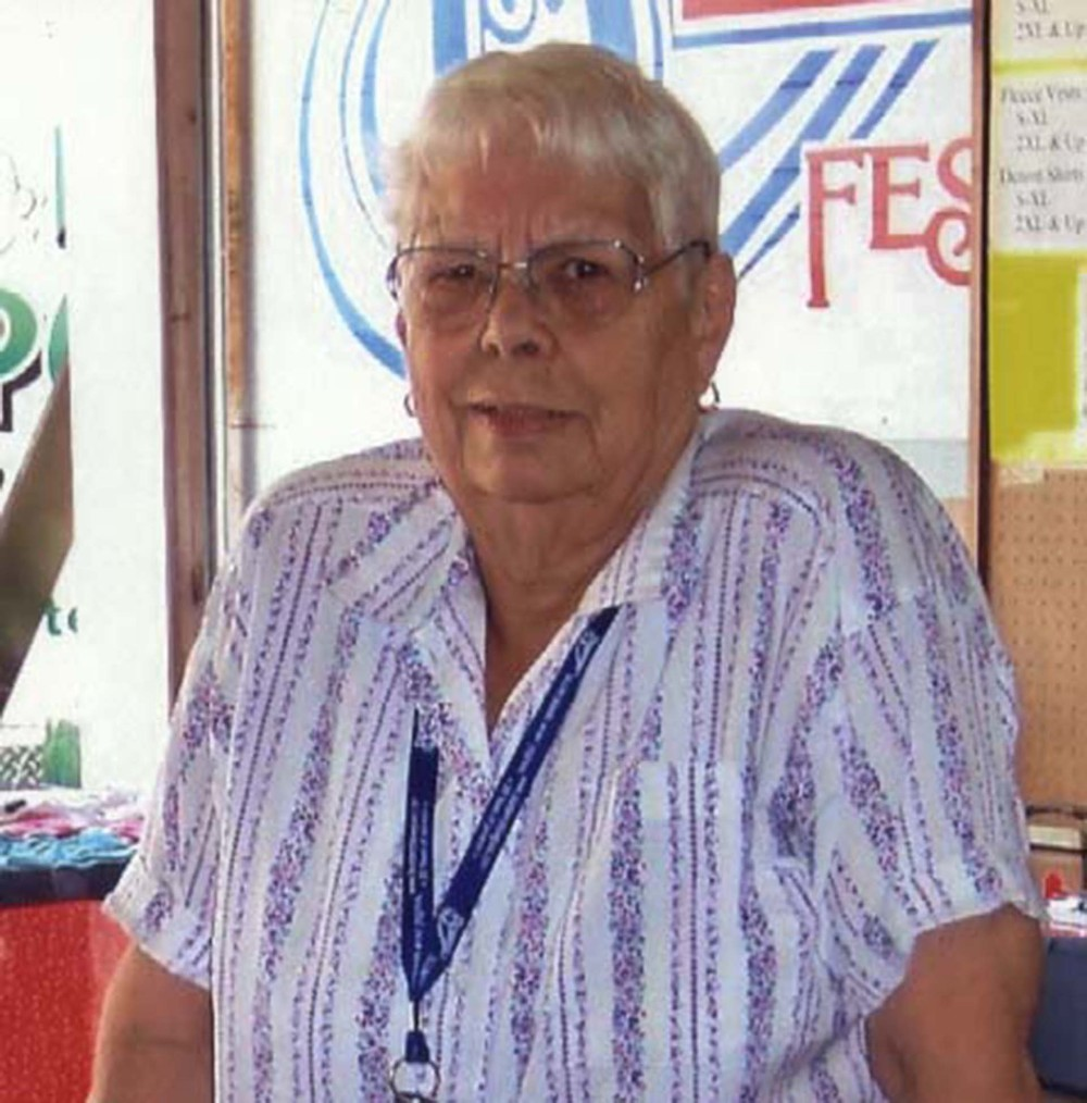 2009 - Joan Knutson - Blueberry Volunteer