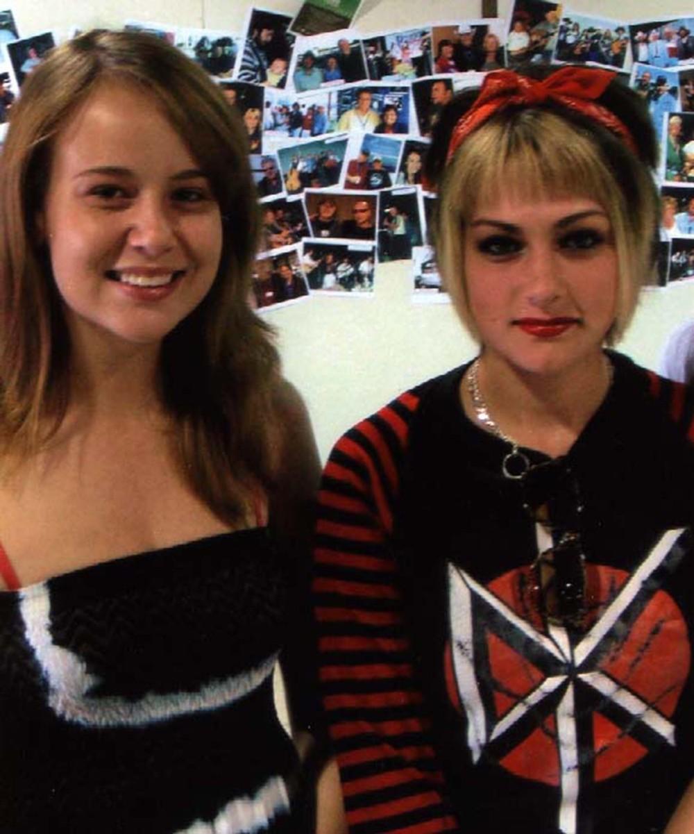 2009 - Erin Kushniruk & Kayla Hotte