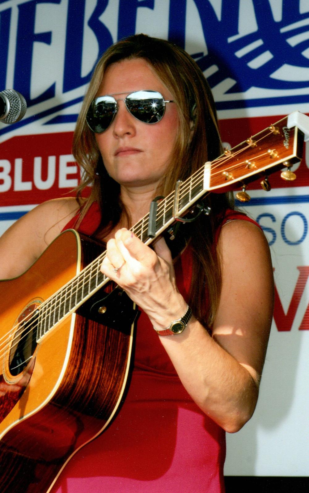 2006 - Rebecca Hogan - Hit & Run Bluegrass