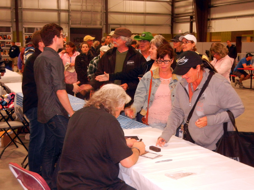 Ricky Skaggs with the fans