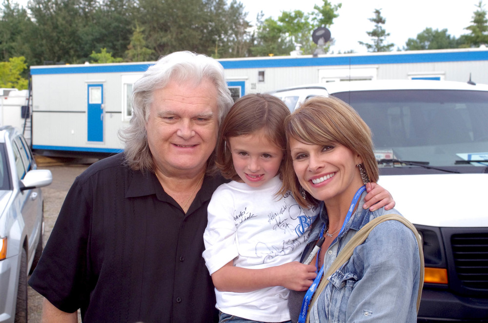 Ricky Skaggs with Lisa Hewitt & her daughter