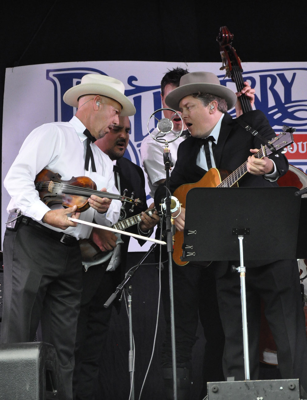 Johnny Warren, Frank Solivan, Barry Bales & Shawn Camp of The Earls of Leicester