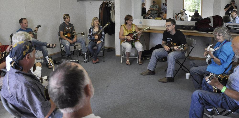 Mandolin Workshop with CJ Lewandowski of The Po' Ramblin' Boys
