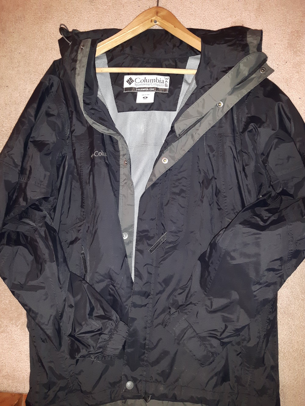 Men's Medium Columbia Jacket.jpg