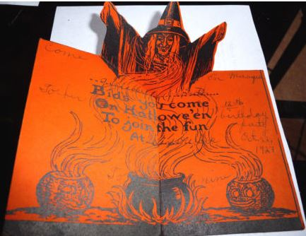 VINTAGE HALLOWEEN PARTY INVITATION 1927 BEISTLE POP UP WITCH WHEN OPENED Halloween Collector