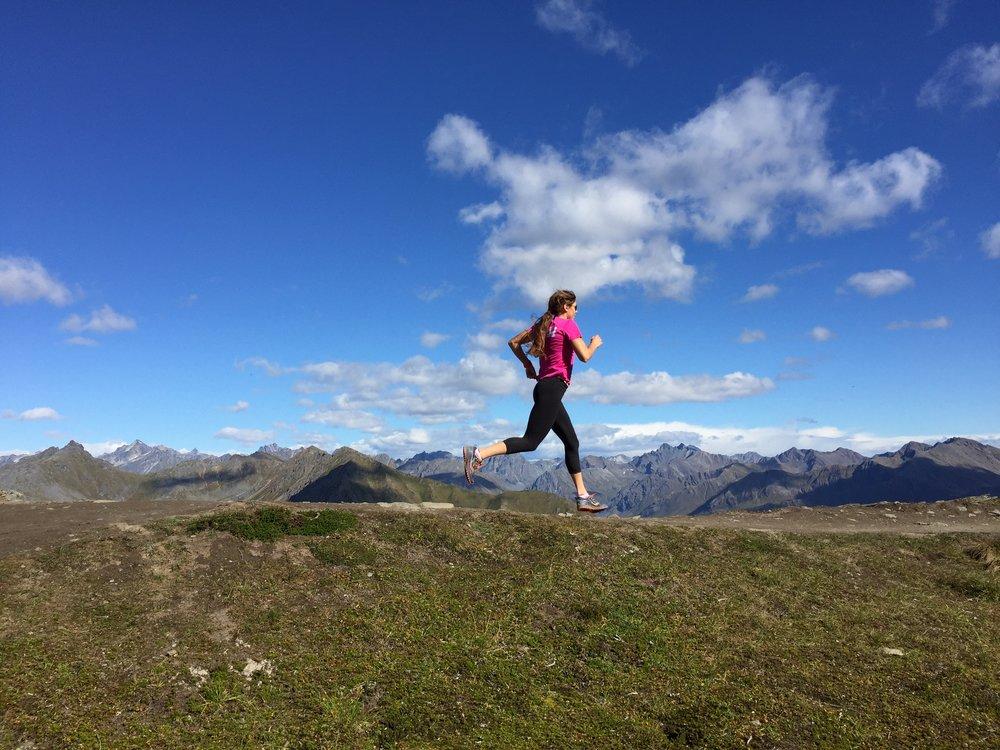 Hatcher running on mountains.JPG