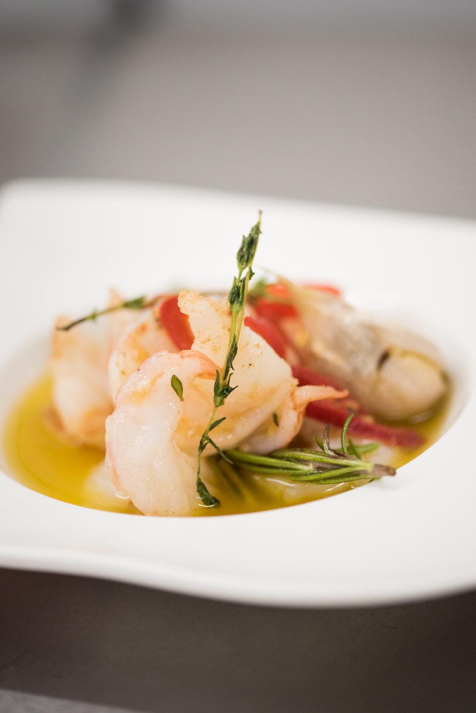 GAMBAS-Prawns in a glossy chili & garlic olive oil