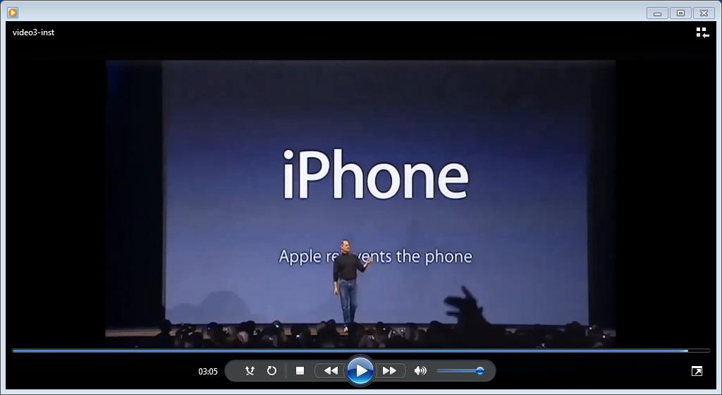 Steve Jobs utilizó los visuales de forma magistral en la presentación del primer IPhone. Fuente: YouTube.
