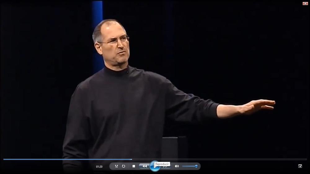 Steve Jobs en la presentación del primer Iphone. Fuente: Youtube.