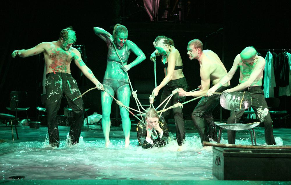 Imagen de 'Peer Gynt',montaje del Theater Dortmund, 2013.