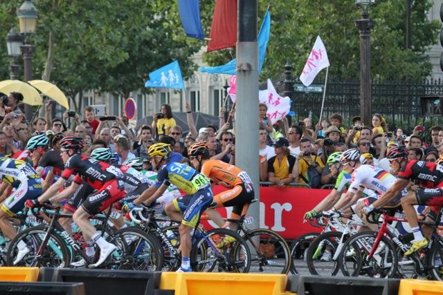 Cyclists 3.jpg