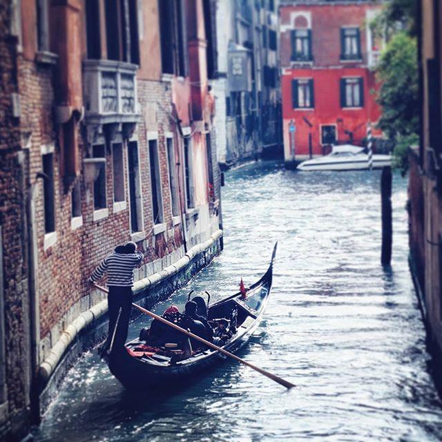 Venice 2011 . . . . . #veniceitaly #venicecanals #nikond5000 #dslrphotography #dslrphotography❤️📷 #snapseedapp #throwbackk #gameoftones #travelphotograph #travelphotography📷 #ig_venice #gondola #gondolas #canals #ig_travelerworld #ig_travel #travellingram #instatravelling #gondolier #italy❤️ #travel #streetphotos #getlostclub #travelworld #awesomeearthpix #roamtheplanet #discoverearth #travel #travelling #travellers