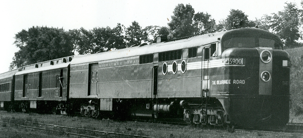 5900-Locomotive-Cropped.png