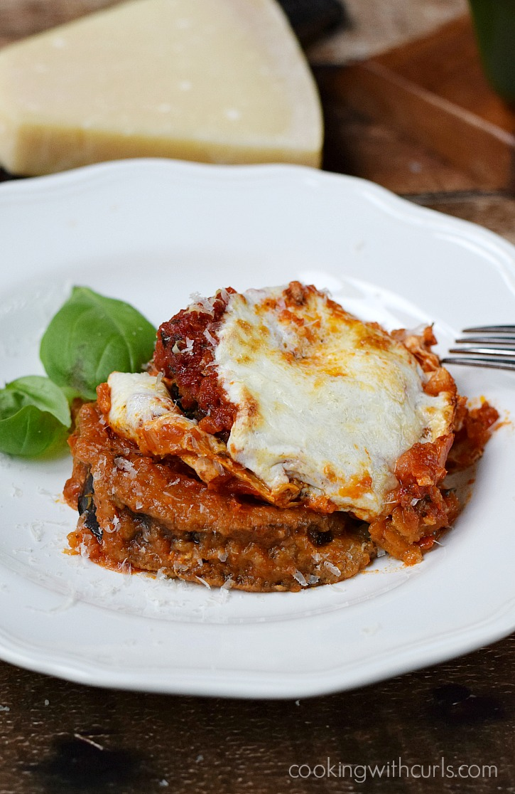 Gluten-free-Eggplant-Parmesan-baked-not-fried-and-topped-with-Homemade-Marinara-Sauce-cookingwithcurls.com-BretonGlutenFree-CleverGirls.jpg